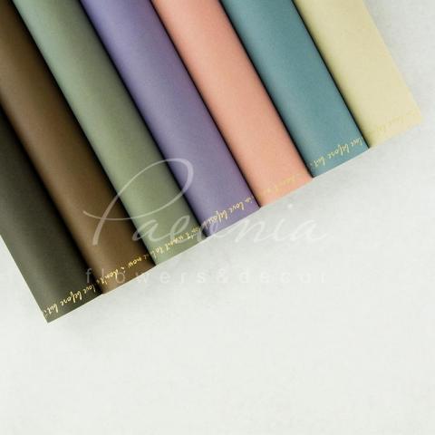 Папір Флористичний водостійкий листовий 60см*60см щільність 100г/м кв з написом по краю шоколадний