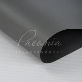 Калька Флористична листова 58см*60см матова щільна з прозорою плівкою и кантом темно-сірий