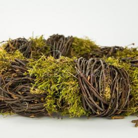 Каркас для декративного венка из натуральной лозы с мхом и деревяшкой d 25см