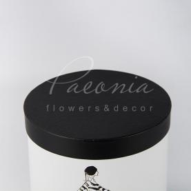 Коробка капелюшна для квітів Paeonia дівчина на велосипеде 20см*20см